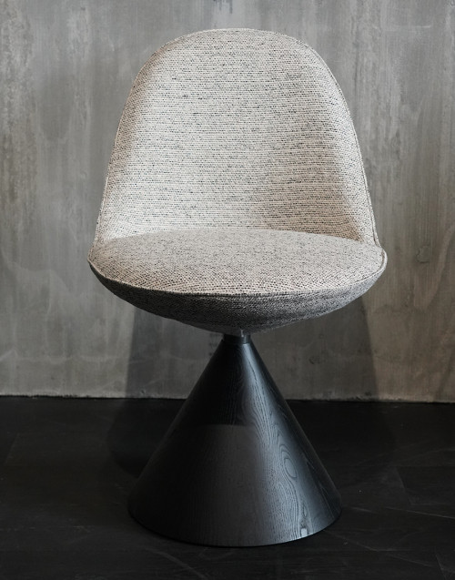 Romby armchair in fabric and ash