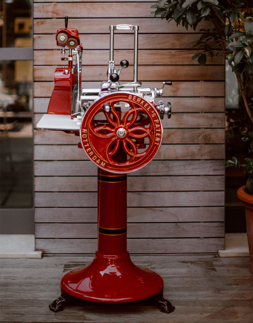 Red slicer model H9