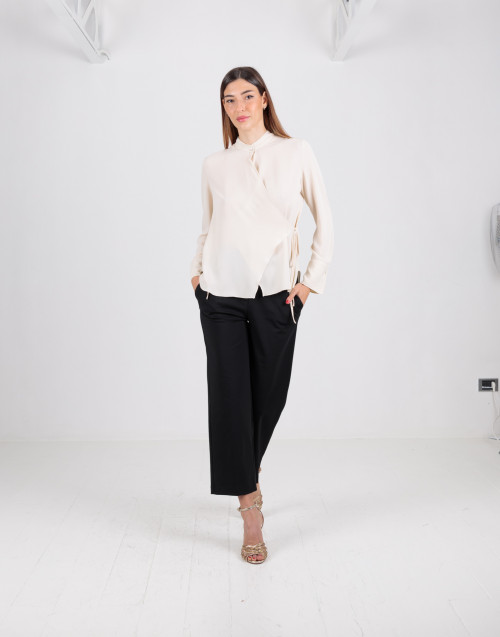 Pantalone nero straight cropped