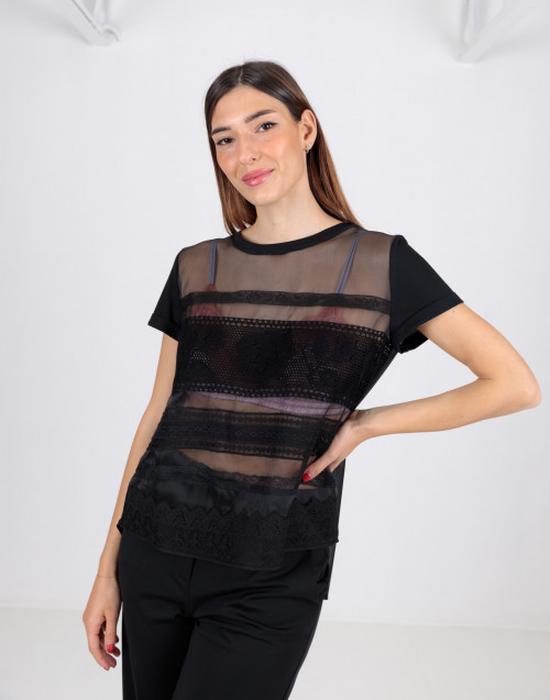 Black t-shirt with organza and lace