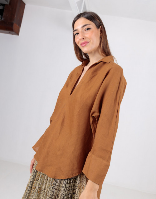 Camicia oversize color cammello in lino