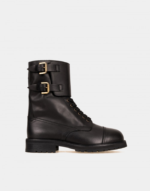 Black leather Hank boots