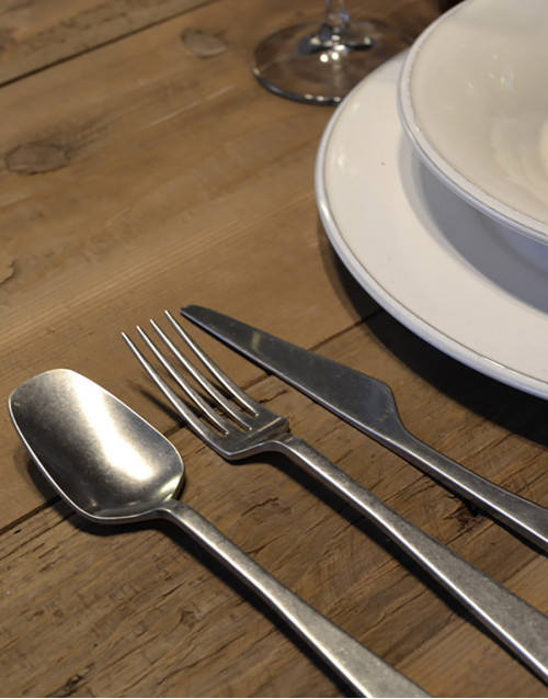 Set 24 steel cutlery