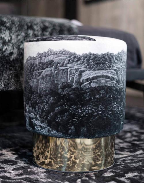 Pouf Velluto Base Ottone Paesaggio Ruins Bianco Nero