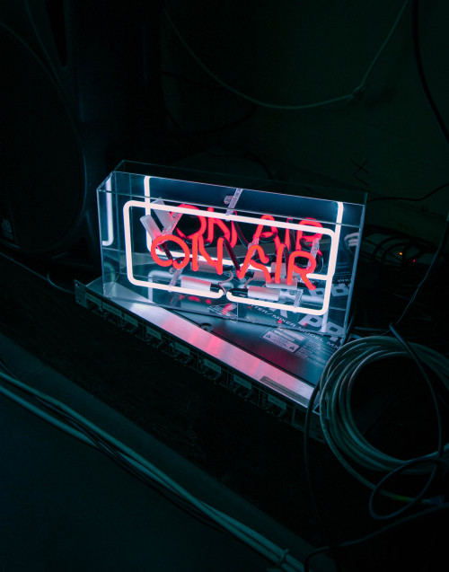 On air neon lamp