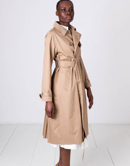 Beige cotton trench coat with pleated back