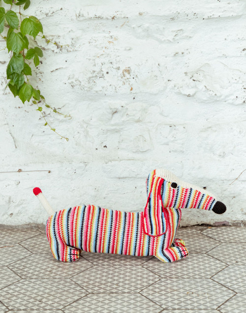 Mum multicolored dachshund in organic cotton