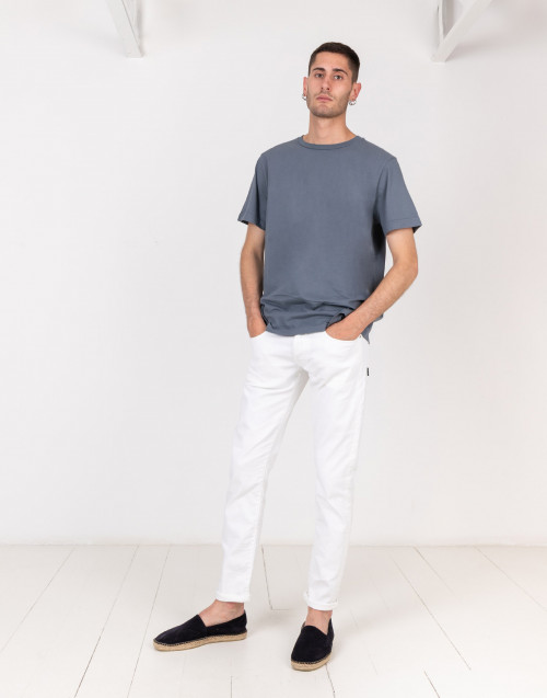 Gray basic t-shirt