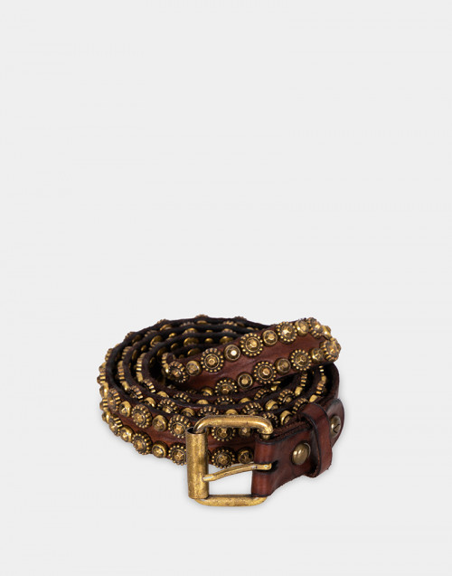 Leather belt with studs details