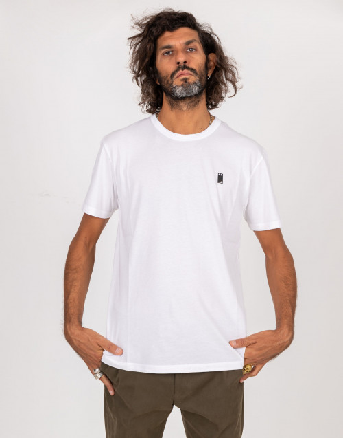 White crew neck shirt