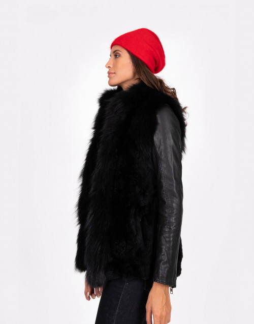Sleeveless black fur