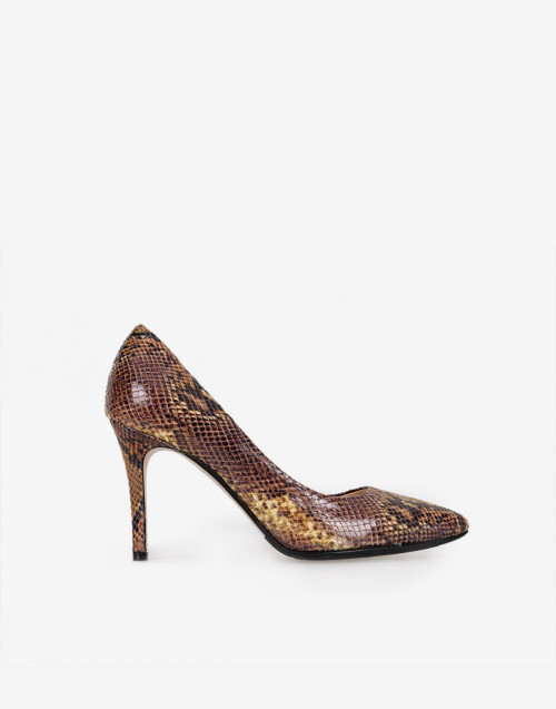 Croc embossed leather pump