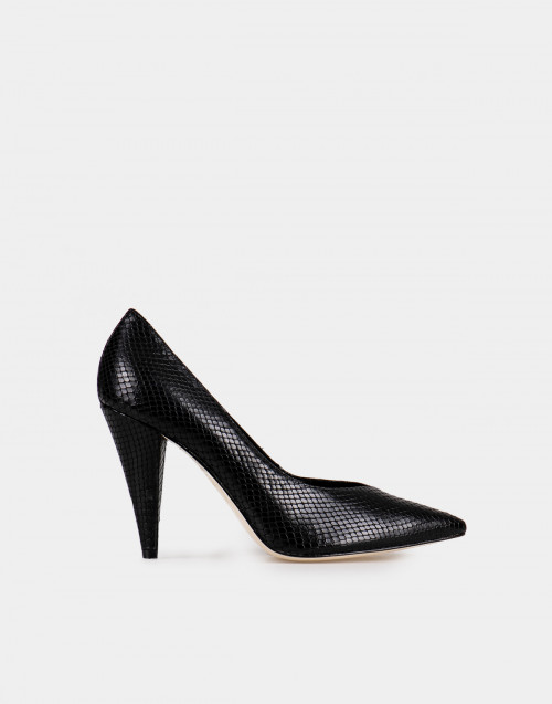 Python print leather pumps
