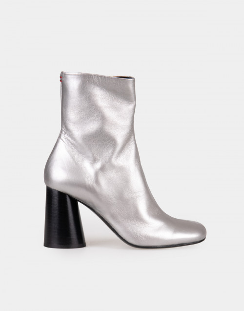 Laminated leather ankle boots