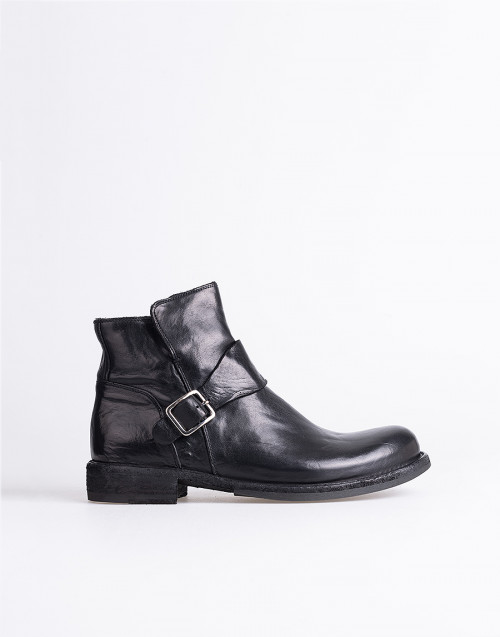 Ikon 54 ankle boot black leather