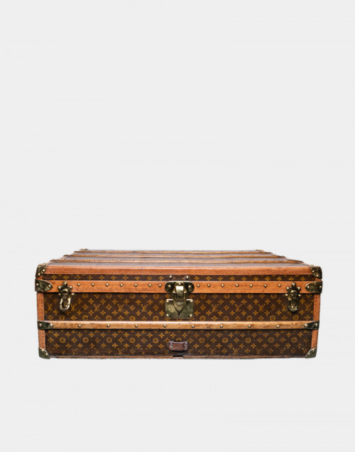 travel trunk Louis Vuitton