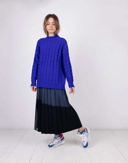 Maglione in lana trecce blu elettrico