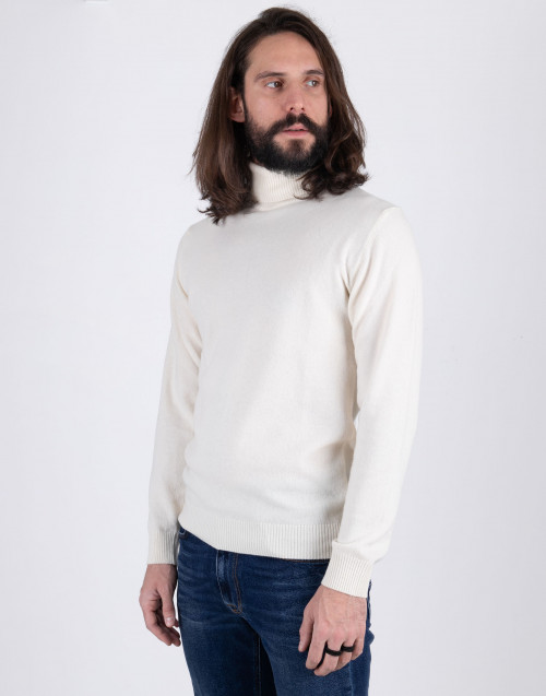 WOOL KNIT TURTLENECK