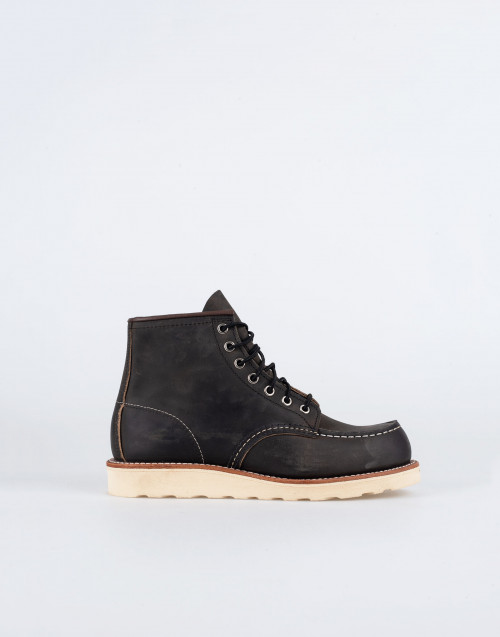 Classic Moc 8890 boot in coal leather