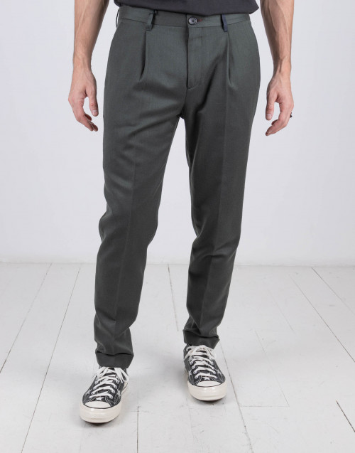 Four pockets olive trousers