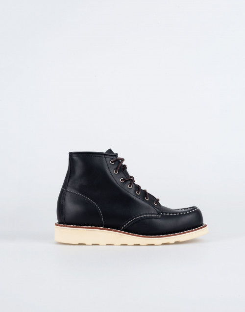 Classic Moc 3373 boot in black leather