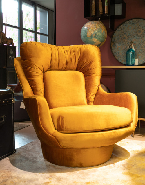 50s-style yellow velvet armchair