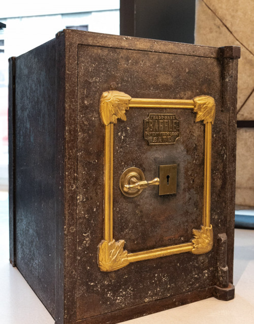 Brown vintage safe